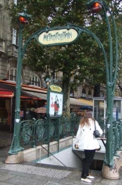 métro place Saint Michel