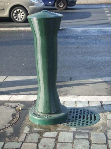 fontaine métro nation